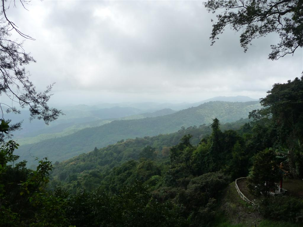 Through the clouds up to Bhubing Palace