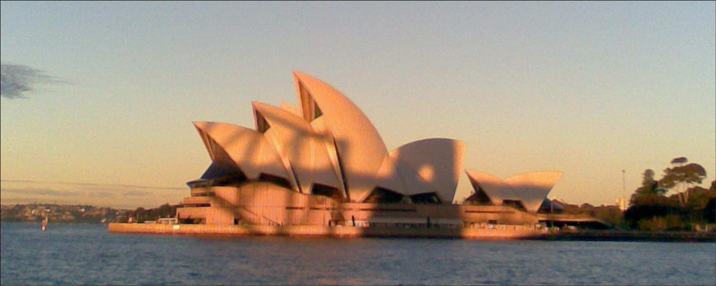 Opera House with Bridge reflection.jpg