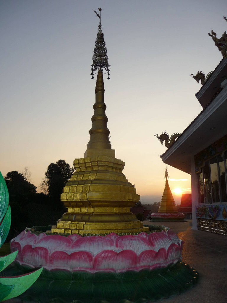 Temple sunset in Chiang Rai