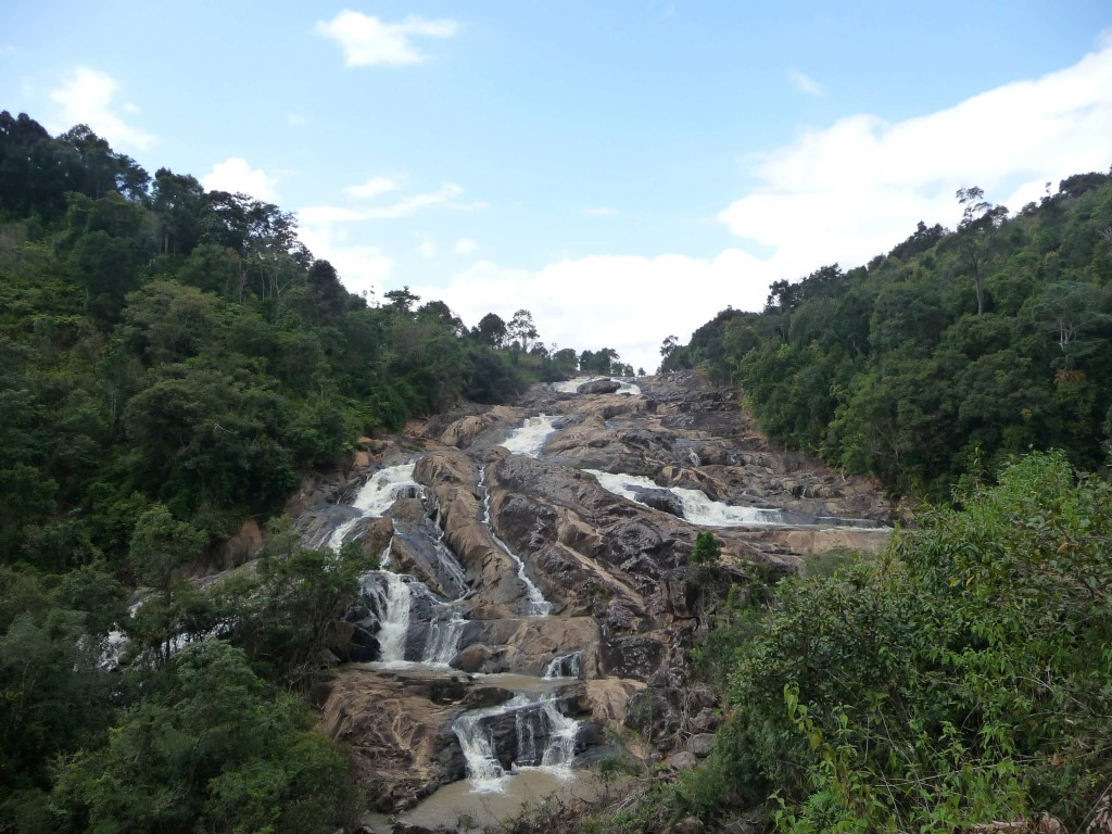 Tad Lang Waterfall in Phonsovan, northern Laos